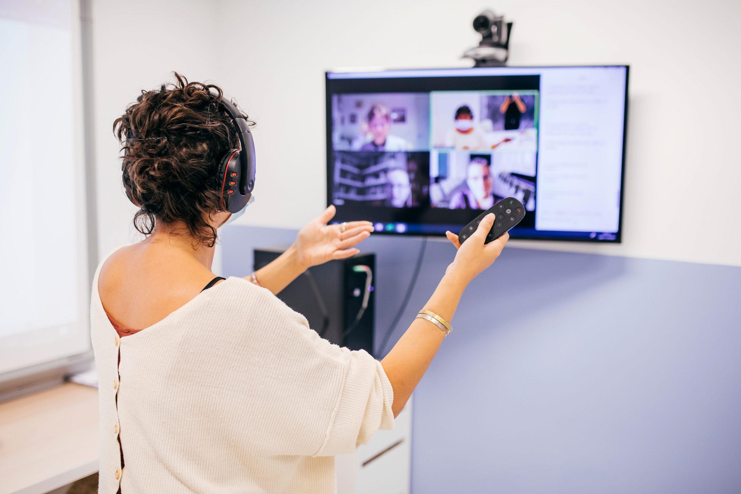 En la Alianza nos hemos especializado en la enseñanza remota a través de nuestros cursos online de francés