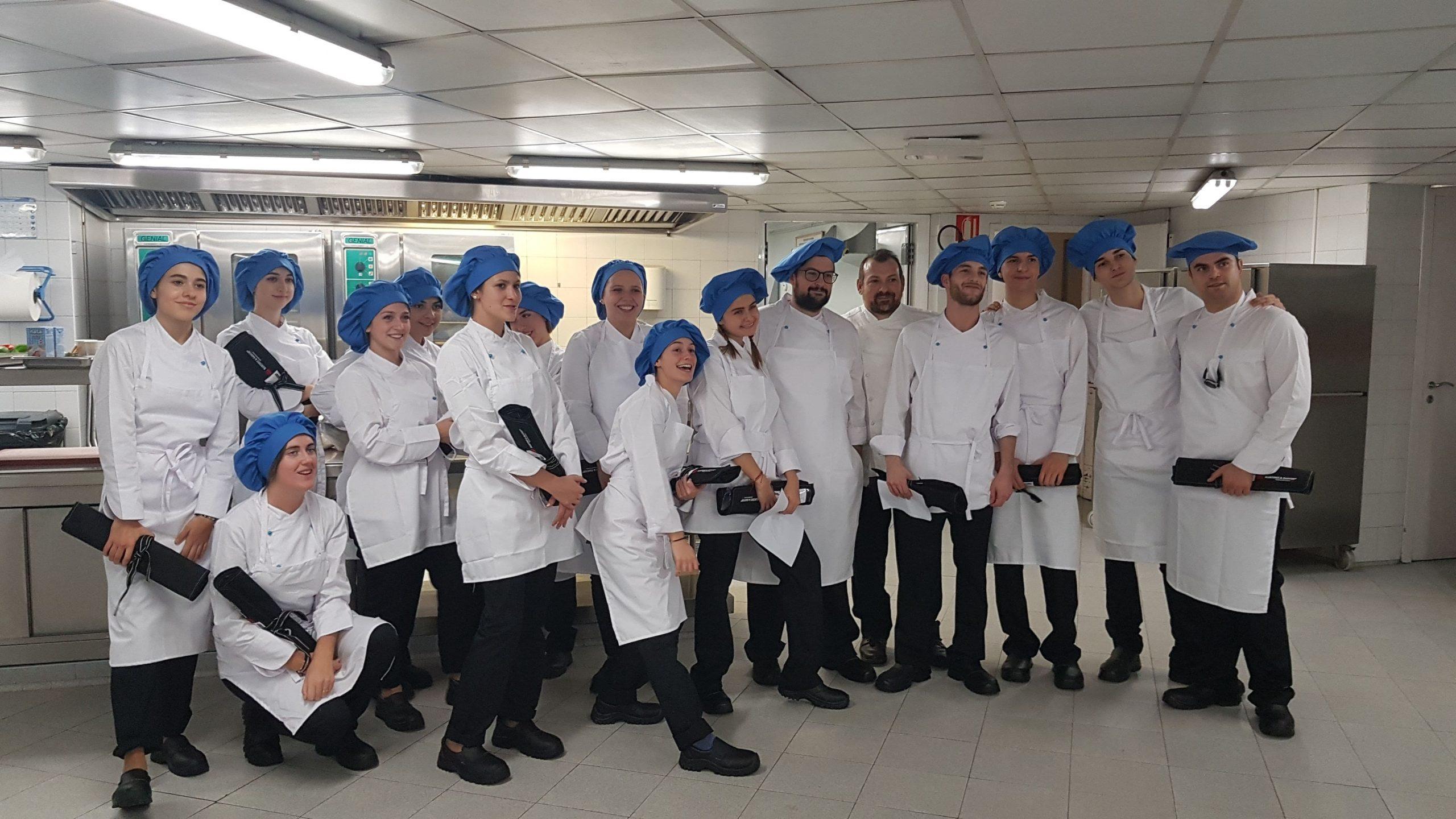 Imagen de los alumnos de la Escuela de Dirección Hotelera de Málaga